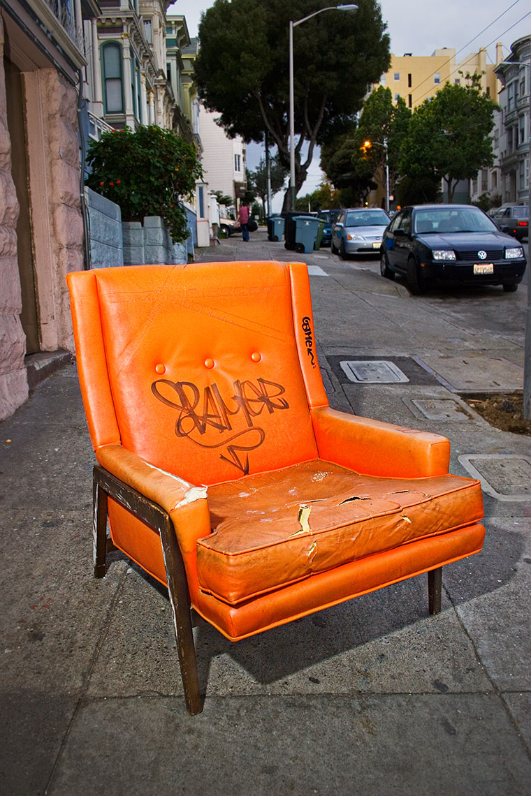 To the Curb - Graffiti Lounger